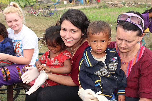 CWON volunteers in Nepal